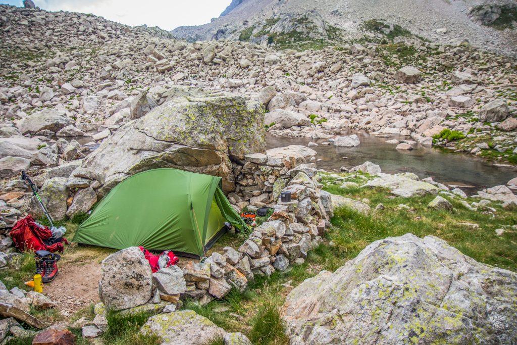 acampar en ibones de arriel balaitus